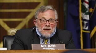 رئيس لجنة الاستخبارات في مجلس الشيوخ الأميركي ريتشارد بور في الكونغرس