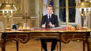 Emmanuel Macron a annoncé la défiscalisation des primes de fin d'année, le 10 décembre.