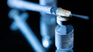 تتسارع وتيرة اللقاحات ضد فيروس كورونا في دول العالم.