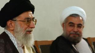 Le guide de la République islamique, Ali Khamenei, et le président iranien Hassan Rohani.