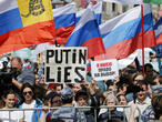 Thousands rally in Moscow for free and fair local elections