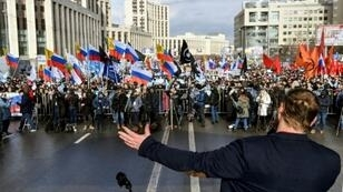 Thousands of people demonstrated Sunday in central Moscow to demand internet freedom in Russia.