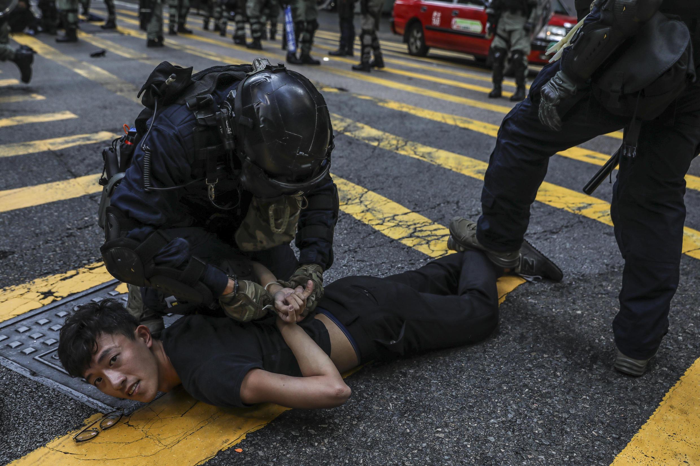 Beijing lucha para acabar con la disidencia en Hong Kong, después de que en 2019 se produjeran multitudinarias protestas a favor de la democracia.