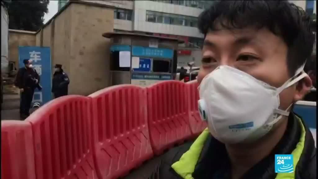 """2020-01-24 17:07 Coronavirus à Wuhan : """"J'ai de la fièvre et je tousse, j'ai peur d'être infecté"""""""