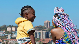 """Le film """"Rafiki"""", qui évoque le lesbianisme, a été interdit au Kenya, vendredi 27 avril 2018, alors qu'il est plébiscité à Cannes."""