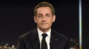 Nicolas Sarkozy, nouveau président de l'UMP, sur le plateau du journal de TF1, dimanche 30 novembre.