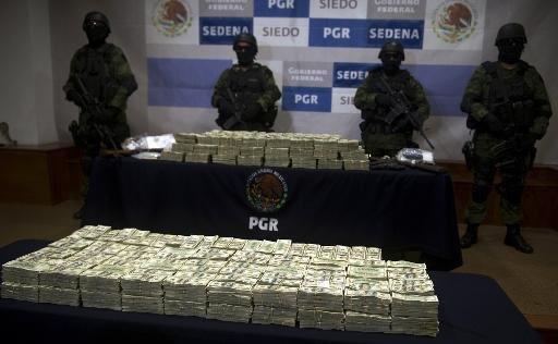 الجيش المكسيكي يعرض أمام الصحافة مخدرات مضبوطة بقيمة 15 مليون دولار