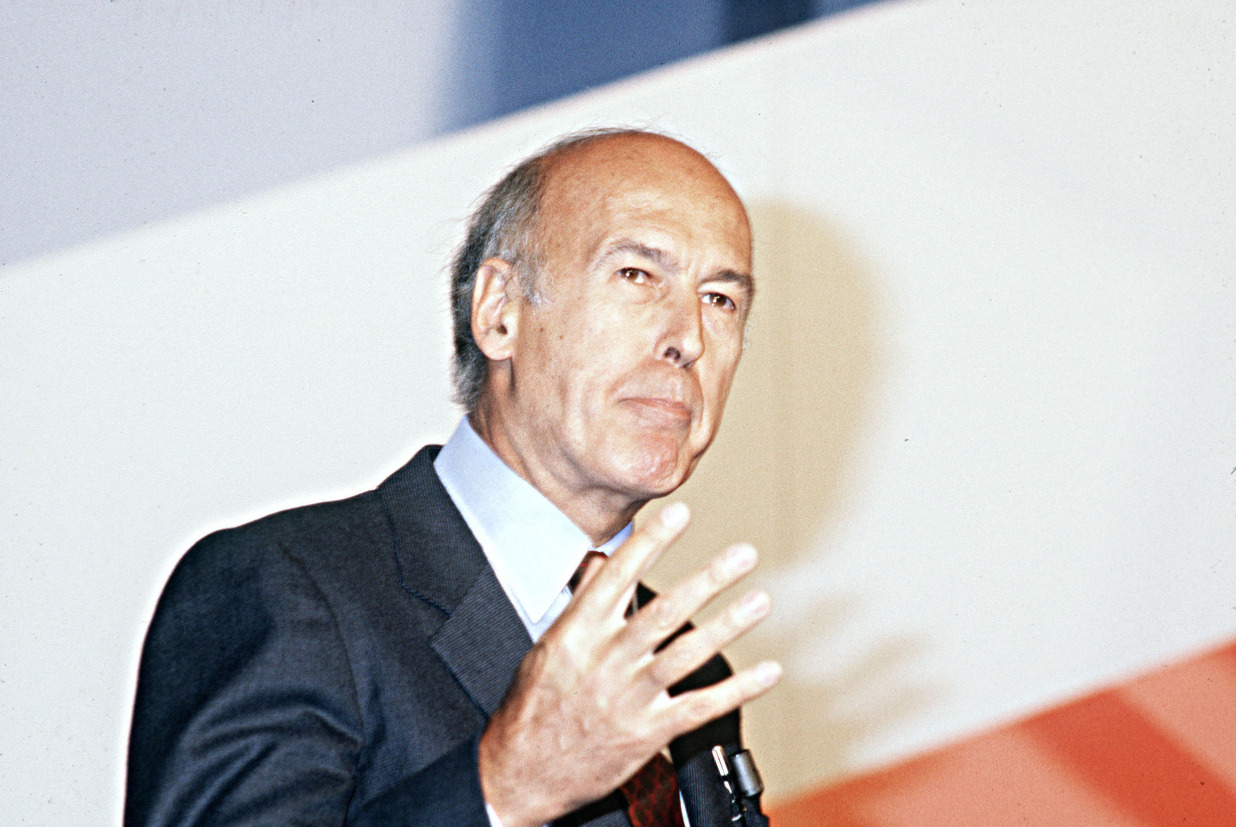 Former French President Valéry Giscard d'Estaing died on December 2, 2020 as a result of Covid-19.