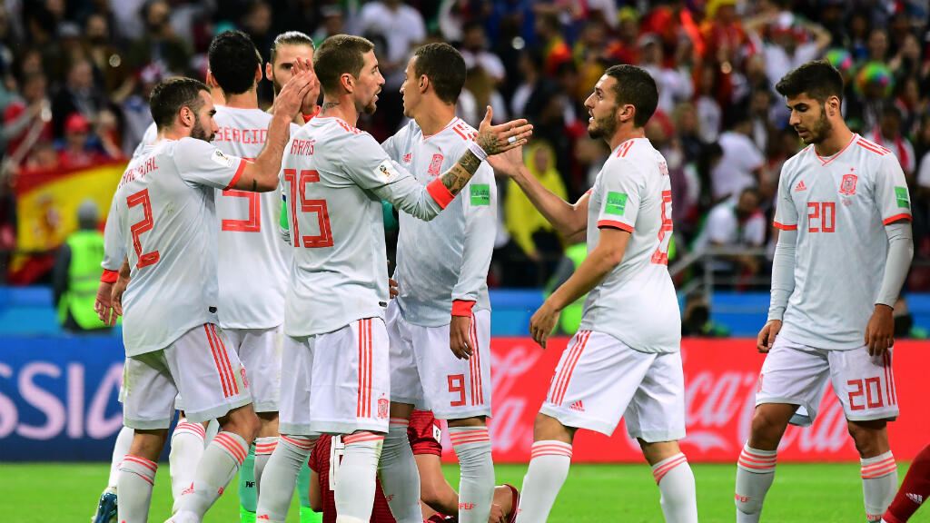 timeless design eaeda 2a64c Spain beat Iran 1-0 and closes in on World Cup last 16