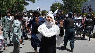 Les affrontements entre manfiestants et forces de l'ordre à Kaboul ont fait cinq morts vendredi 2 juin.