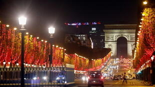 _CHRISTMAS-SEASON-PARIS