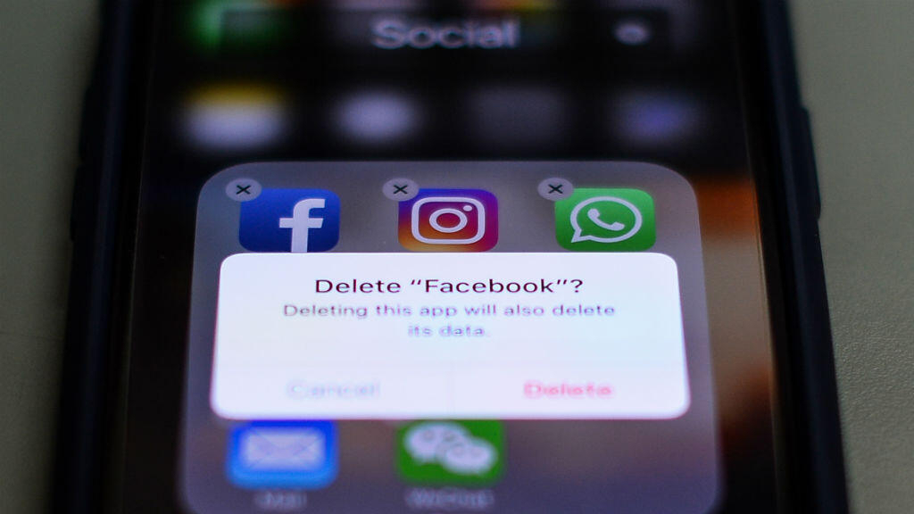 Tax man is watching, France to comb social media for cheats