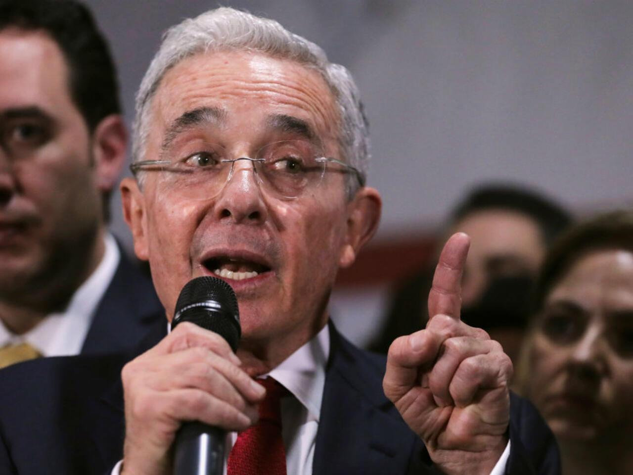 Colombia: el expresidente Álvaro Uribe quedó formalmente vinculado a  investigación
