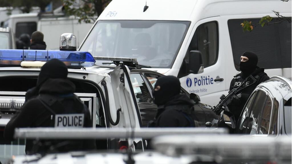 الشرطة البلجيكية خلال عمليات مداهمة