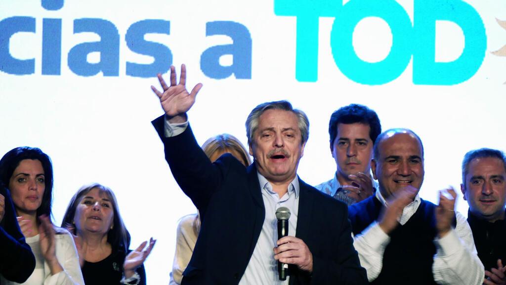 El peronista Alberto Fernández celebra los resultados de las elecciones primarias, en Buenos Aires (Argentina).