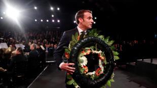 Le président français Emmanuel Macron lors des commémorations à Jérusalem du 75e anniversaire de la libération du camp nazi d'Auschwitz, le 23 janvier 2020.