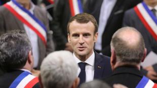 Emmanuel Macron s'adressant à 600 maires de communes rurales à Souillac, le 18 janvier 2019.