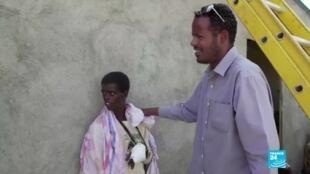 Les médecins éthiopiens soignent les réfugiés dans le camp d'Hashaba, au Soudan.