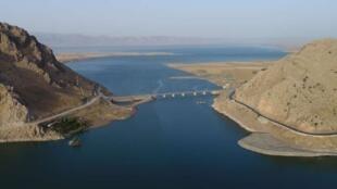 Le site de Qalatga Darband est l'enclave triangulaire située derrière le point, sur la droite de l'image.