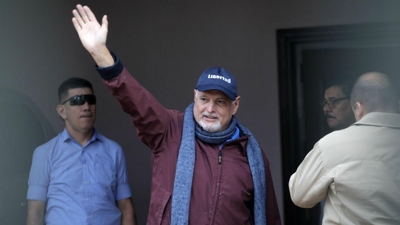 El expresidente de Panamá, Ricardo Martinelli, en ciudad de Panamá, el 12 de junio de 2019, al llegar a su casa después de ser liberado un año después de haber sido extraditado de Estados Unidos.