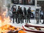 Hong Kong: bref affrontements lors d'une manifestation près de la frontière avec la Chine
