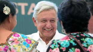 El presidente de México, Andrés Manuel López Obrador durante su gira por el estado de Campeche, México, el 13 de abril de 2019