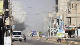 نزوح لسكان مدينة الحراك السورية في ريف درعا الشرقي بعد القصف المتواصل من قوات النظام في 21 يونيو/حزيران