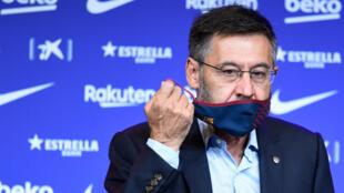 لقطة لرئيس نادي برشلونة جوسيب ماريا بارتوميو الذي اعلن استقالته من منصبه في 27 تشرين الاول/اكتوبر 2020