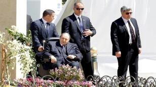 الرئيس الجزائري عبد العزيز بوتفليقة في الجزائر العاصمة في 9 نيسان/ أبريل 2018.