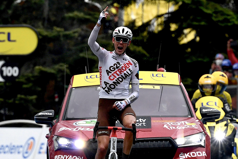 L'Australien Ben O'Connor (AG2R) remporte en solitaire la 9e étape du Tour de France, le 4 juillet 2021 à Tignes