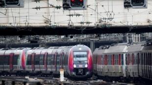 El 90% por ciento del tráfico de los trenes bala podría paralizarse el 3 de abril.
