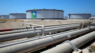 Vue d'un oléoduc du géant pétrolier Aramco, en Arabie saoudite, le 21 mai 2018.