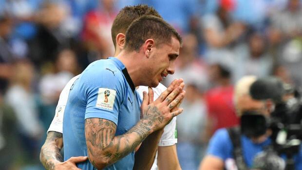 El defensa central, José María Giménez no pudo contener las lágrimas tras la eliminación de Uruguay del Mundial.