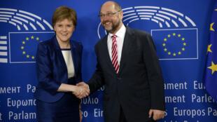 La Première ministre écossaise Nicola Sturgeon et le président du Parlement européen Martin Schulz à Bruxelles, le 29 juin 2016.