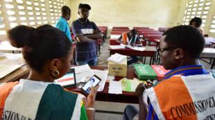 Un bureau de vote à Yopougon, dans la banlieue d'Abidjan, le 30 octobre 2016.