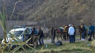 Capture d'écran d'une émission de la chaîne marocaine 2M.ma montrant la police sur les lieux du crime.