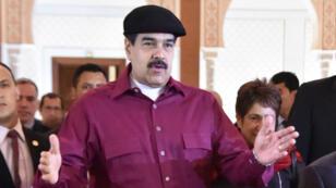 Le président vénézuélien Nicolás Maduro lors de son arrivée à Alger, le 10 septembre 2017.