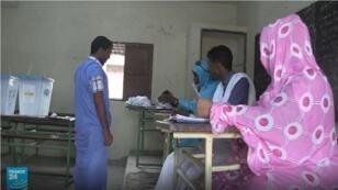 الموريتانيون يصوتون في جولة ثانية من الانتخابات التشريعية والمحلية. 15 أيلول/سبتمبر 2018.