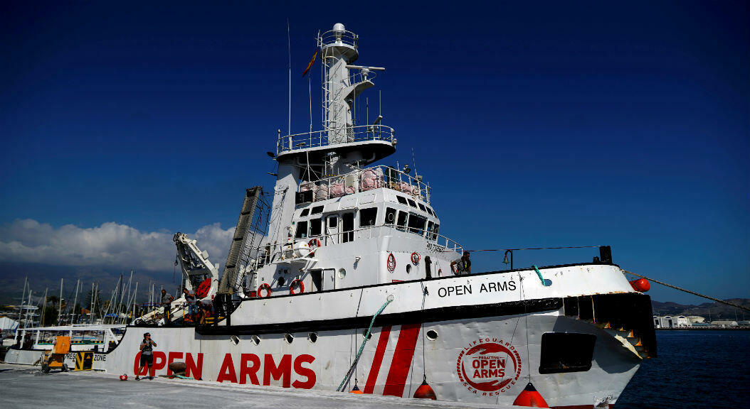 Archivo-Un barco de rescate de la ONG Open Arms, en el Puerto de Motril, sur de España, el 3 de octubre de 2018.