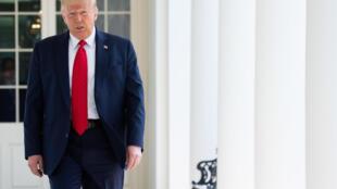 الرئيس الأميركي دونالد ترامب في إحدى حدائق البيت الأبيض في 16 حزيران/يونيو 2020