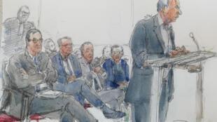 Croquis d'audience montrant (g-d) Nicolas Bazire, Renaud Donnedieu de Vabres, Thierry Gaubert, Dominique Castellan et Ziad Takieddine (debout) lors du procès financier de l'affaire Karachi, le 7 octobre 2019 à Paris
