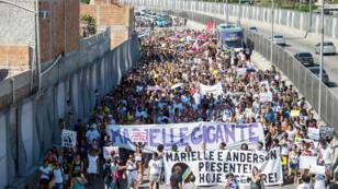 La favela de Maré pleure la mort de la conseillère municipale Marielle Franco, tuée le 14 mars 2018.