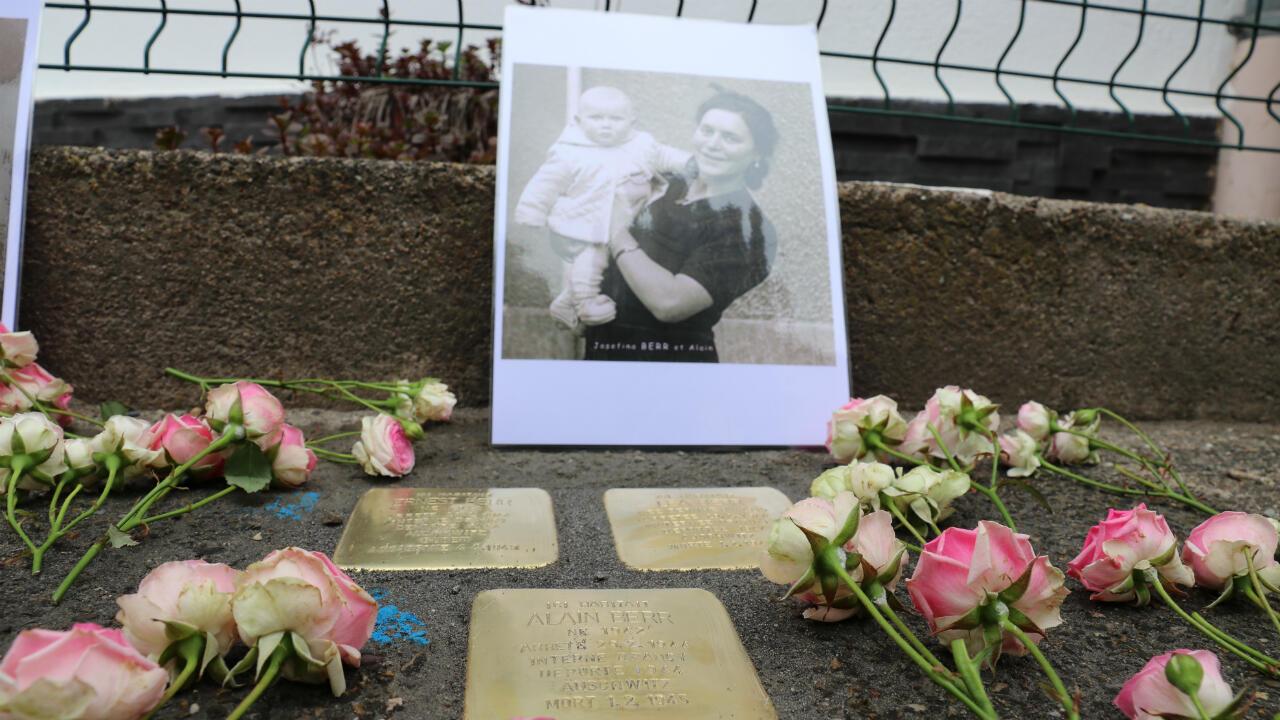 Des pavés de la mémoire posés à Muttersholtz, le 30 avril 2019.