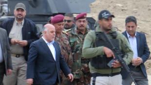 Le Premier ministre irakien  Haider al-Abadi à Ramadi, le 29 décembre 2015.