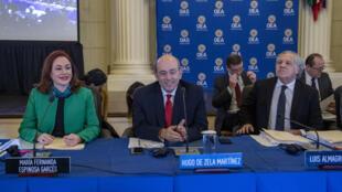 Los tres candidatos a la Secretaría General de la OEA, María Fernanda Espinosa, Hugo de Zela y Luis Almagro. 19 de marzo de 2020.
