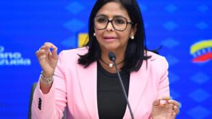 La vicepresidenta venezolana Delcy Rodríguez, informó sobre el toque de queda en un municipio fronterizo con Colombia