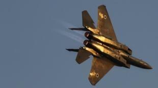 Un avion de chasse israélien, le 25 juin 2009, lors d'une cérémonie à la base aérienne de Hatzerim.