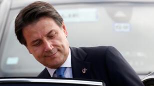 Después de 14 meses de ser ignorado, y hasta burlado, por sus diputados en el gobierno nacionalista-populista de Italia, Giuseppe Conte aceptó regresar como primer ministro en un nuevo Gobierno.