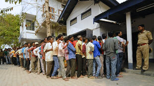 طابور خلال إجراء الانتخابات في الهند