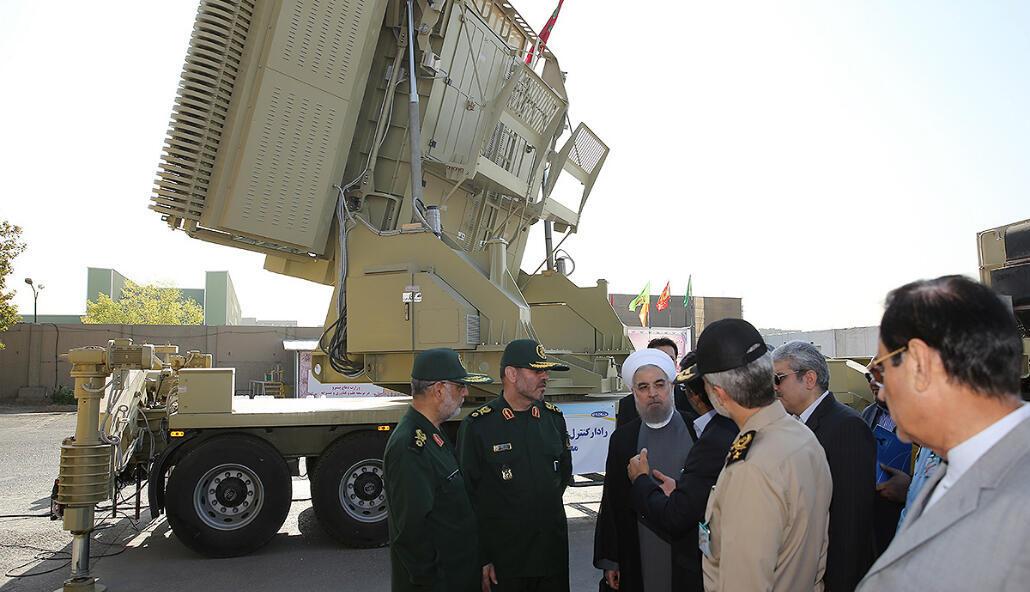 Le président iranien Hassan Rohani a inauguré un nouveau système de défense anti-aérien à Téhéran, le 21 août 2016.